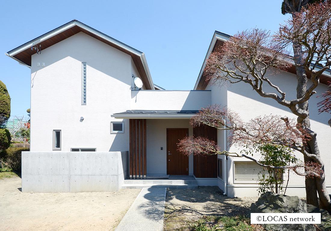 既存と調和する家
