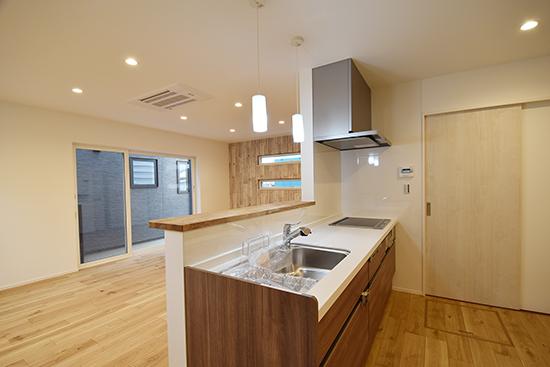 上木戸モデルハウス:キッチン