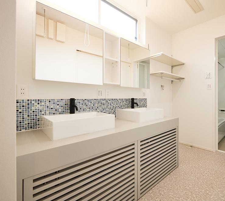 江南区の施工事例の洗面台
